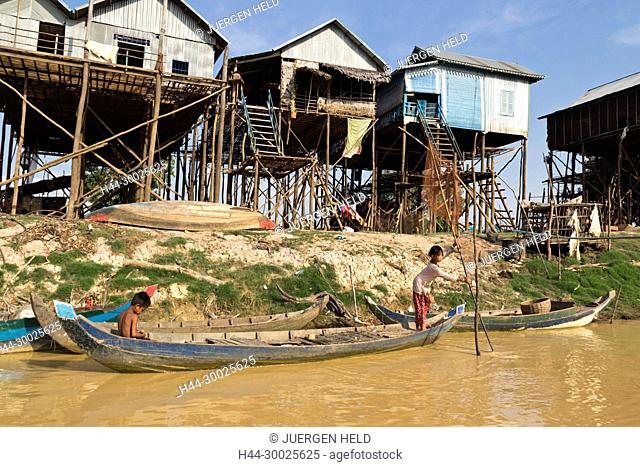 Chong Kneas, Floating Village near Tongle Sap, Cambodia, Asia