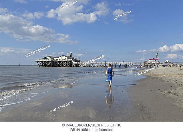 Beach with pile dwelling, Restaurant Strandbar 54° Nord, St. Peter-Ording, Schleswig-Holstein, Germany, Europe