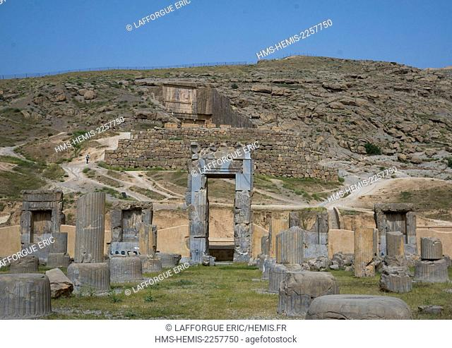 Iran, Fars Province, Persepolis, listed as World Heritage by UNESCO, ruins of apadana palace built by darius the great