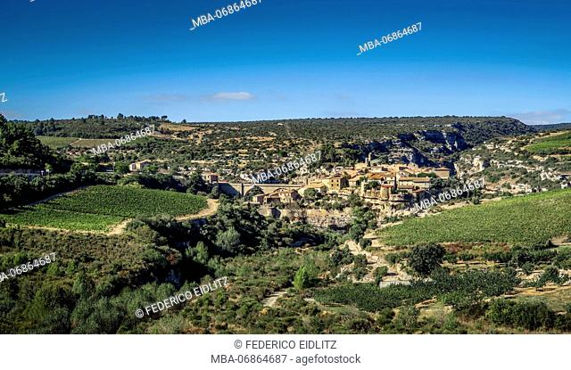 Minerve, medieval village built on a rock. The last refuge of the Katharer, one of the nicest villages of France (Les plus beaux villages de France)