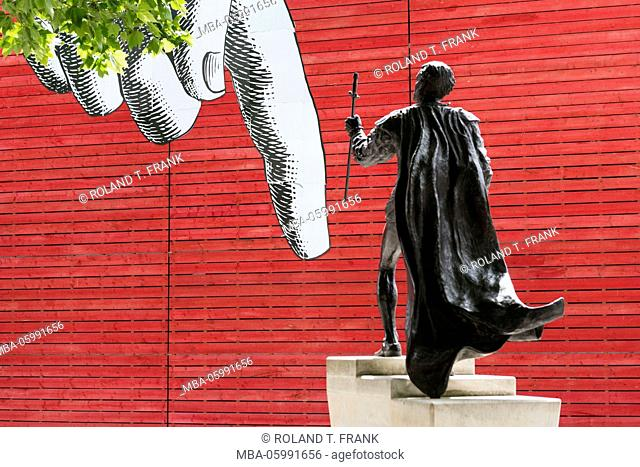 England, London, Laurence Olivier, + statue in London at the national theatre