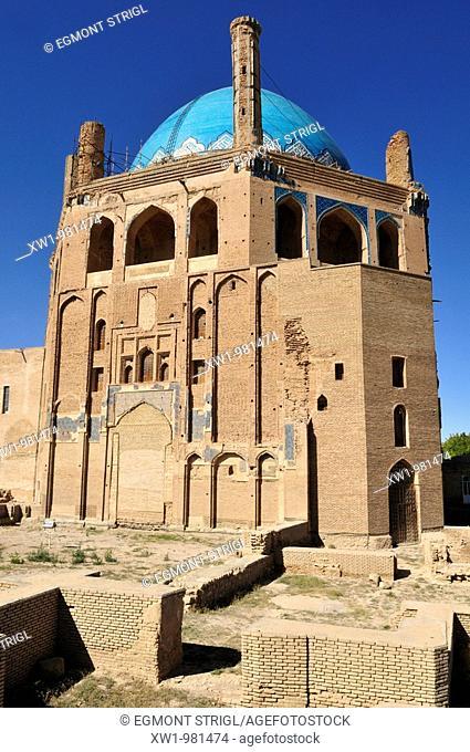 historic Mausoleum of Oljaytu, Soltaniyeh, UNESCO World Heritage Site, Persia, Iran, Asia
