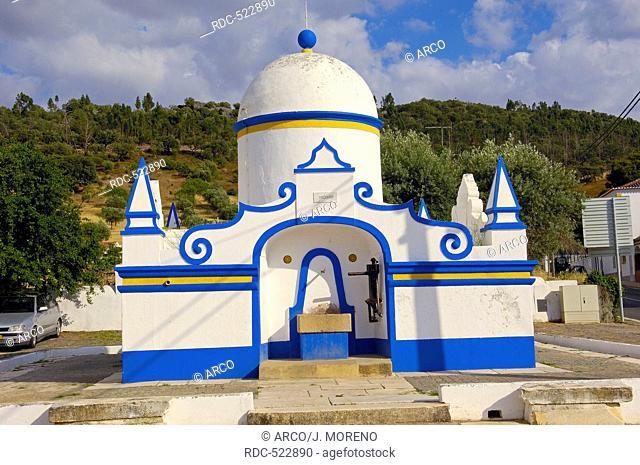 Monsaraz, Old Fountain, Evora district, Alentejo, Portugal, Europe