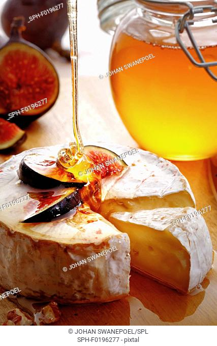 Brie cheese with fig and honey
