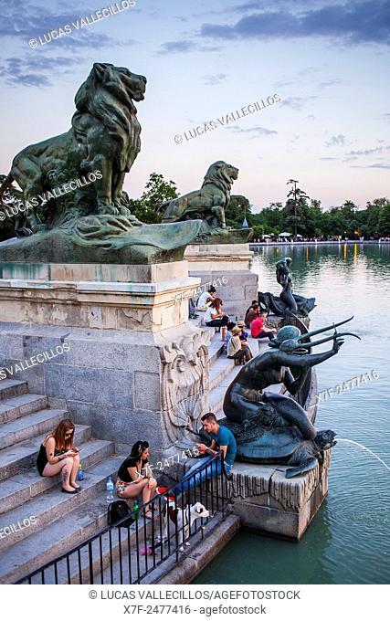 Lake, in Retiro Park. Madrid. Spain