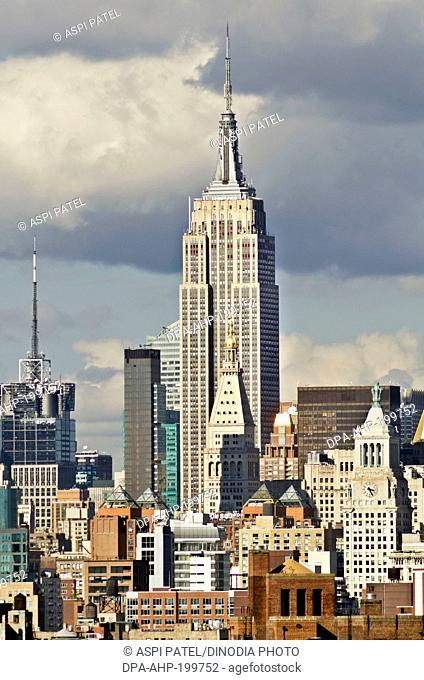 Manhattan skyline from brooklyn bridge lower, manhattan, new york, usa