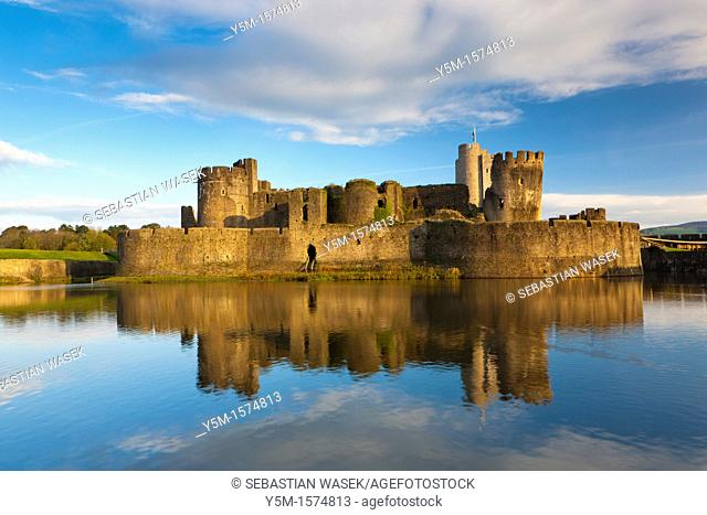 Caerphilly Castle, Caerphilly, South Wales, UK, Europe