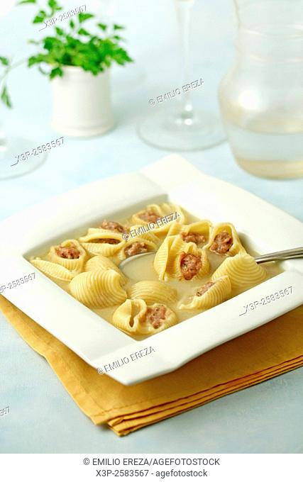 Stuffed pasta soup