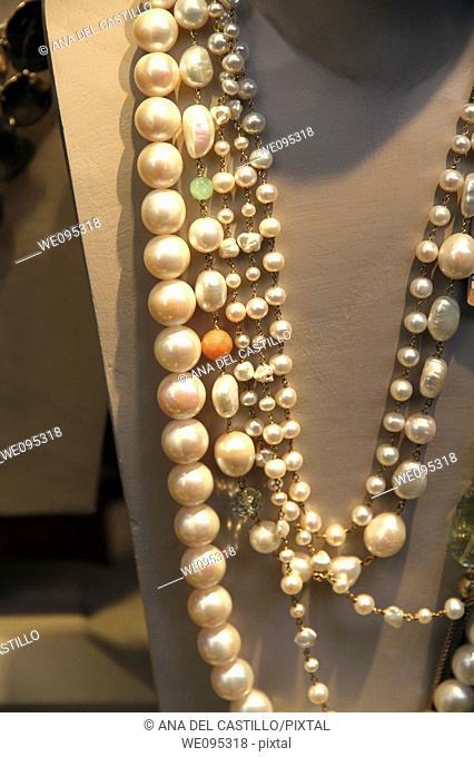 Assortment of pearl jewellery
