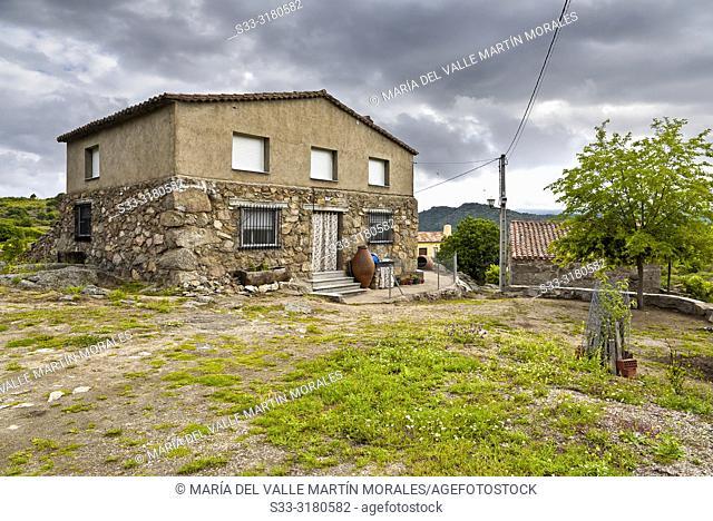 Rural house in La Rinconada. Avila. Spain
