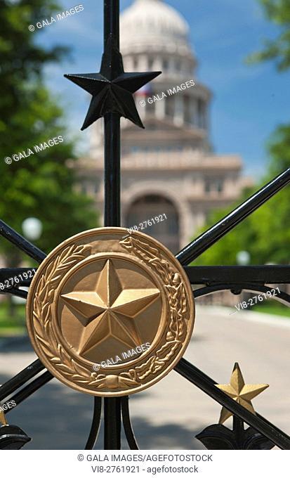 GOLDEN STAR MEDALLION IRON RAILING GATE STATE CAPITOL BUILDING AUSTIN TEXAS USA