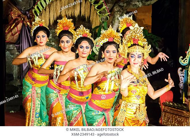 Traditional dance (Legong dance and Ramayana). Ubud Palace. Ubud. Bali. Indonesia
