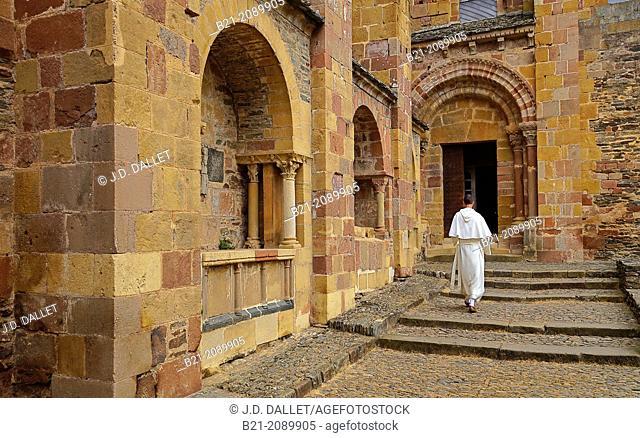 Abbey-church of Saint-Foy, Conques, Way of St James, Aveyron, Midi-Pyrénées, France