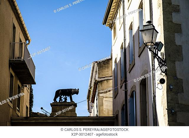 Romulus and Remus statue in Narbonne, France