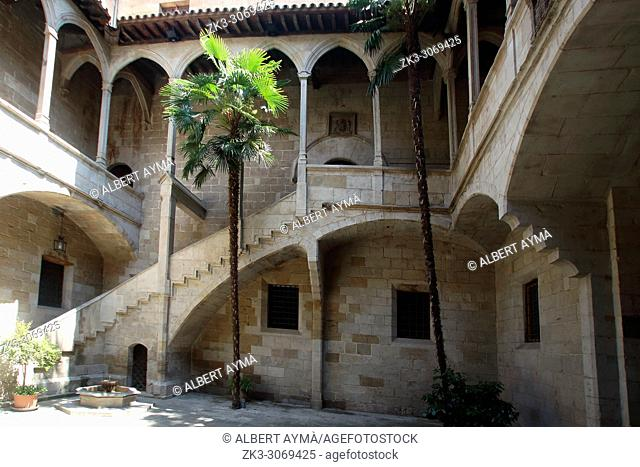 Antic Hospital de Santa Maria (Old Hospital of Santa Maria). Plateresque-Gothic style, 15-16th century. Lleida, Catalonia, Spain