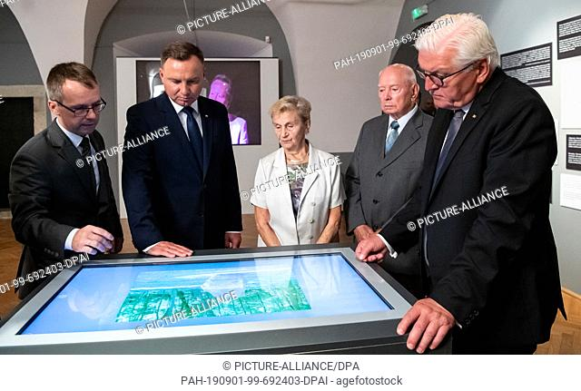 01 September 2019, Poland, Wielun: Federal President Frank-Walter Steinmeier (r) and the Polish President Andrzej Duda (2nd from left) will be guided by the...