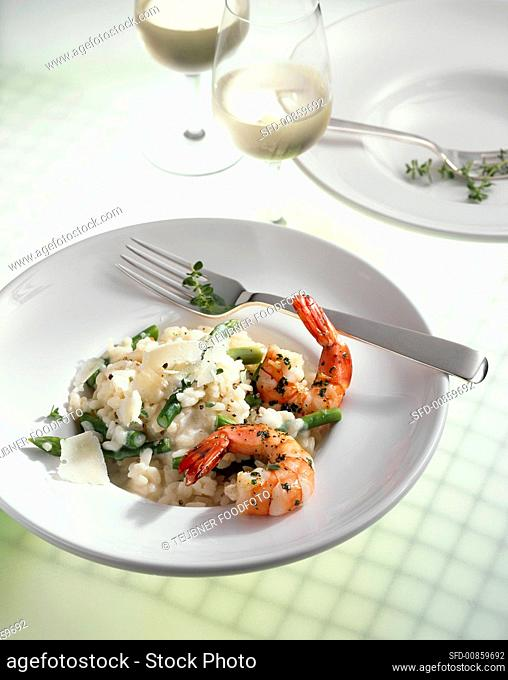 Risotto with green asparagus and fried shrimps