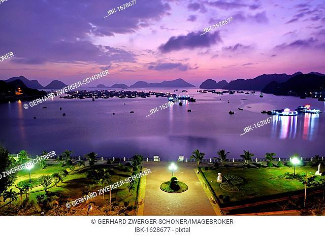 Waterfront promenade of Cat Ba, Halong Bay, Vietnam, Southeast Asia