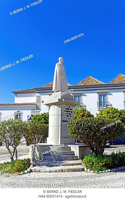 Monument, Don Francisco Gomes de Avelar, in 1739 - in 1816, Faro Portugal