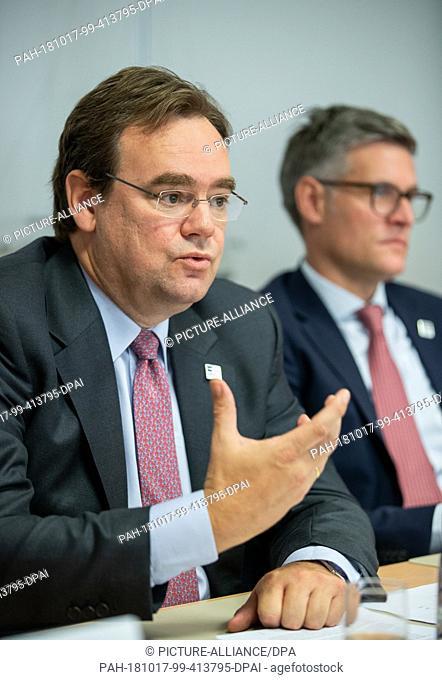 17 October 2018, Bavaria, Giebelstadt: Kai Brandes (l), managing partner of Capital Management-Partners (CMP), speaks at a press conference alongside Ralph...