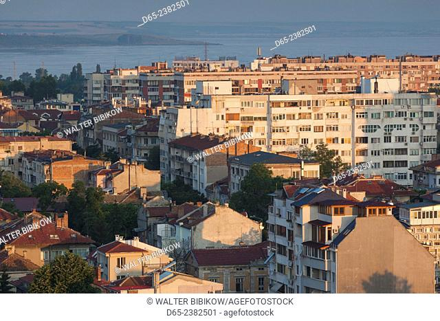 Bulgaria, Black Sea Coast, Burgas, elevated city view, dawn