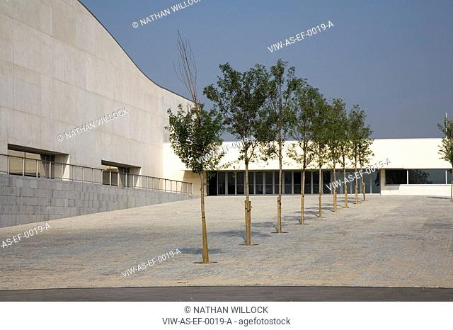 PARC ESPORTIU LLOBREGAT, AV. BAIX LLOBREGAT, S/N, BARCELONA, SPAIN, ALVARO SIZA, EXTERIOR, ENTRANCE WITH TREE COLONADE