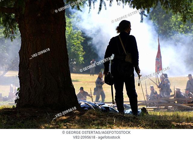 Battle re-enactment, Civil War Re-enactment, Willamette Mission State Park, Oregon