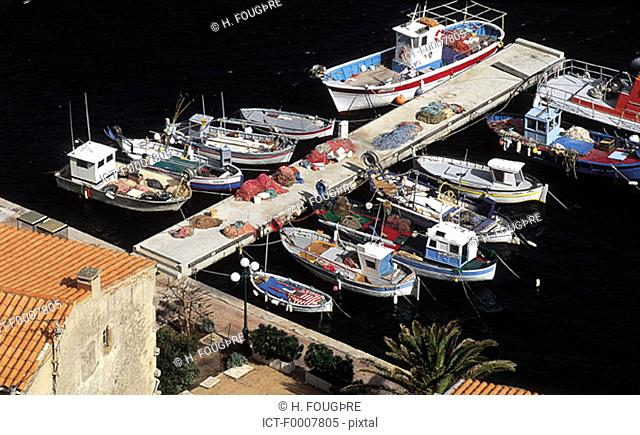 France, Corsica, Bonifacio, view of the marina