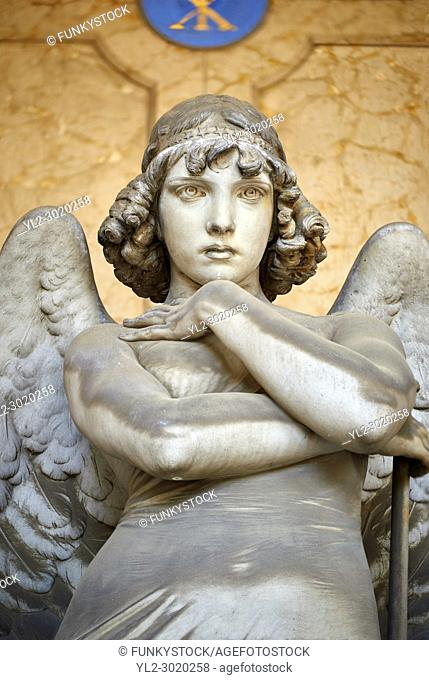 Picture and image of the stone sculpture of an enigmatic angels face in a realistic style. One of the best know csulptures of Staglieno