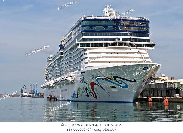 Cruise liner Norwegian Epic 153,000 tonnes in Southampton during her maiden cruise