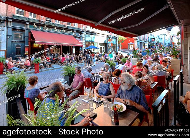 Restaurants and pubs take over the sidewalks on rue Saint-Jean (St. John St.) at a time when it is closed to vehicular traffic, Upper Town, Quebec City