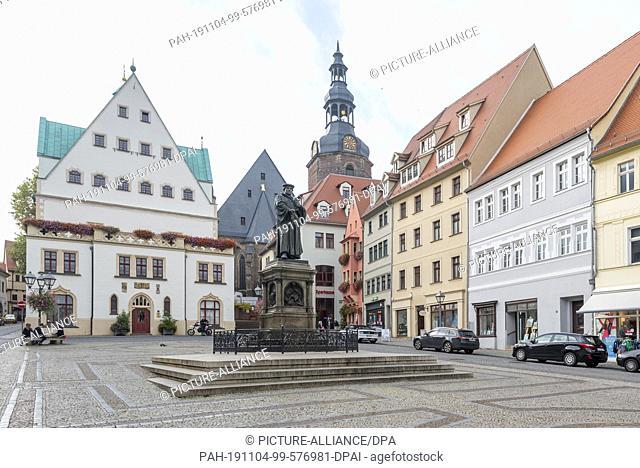 24 October 2019, Eisleben: 23.10.2019, Saxony-Anhalt, Eisleben: At a prominent location on the market square of the Luther town of Eisleben (Saxony-Anhalt)