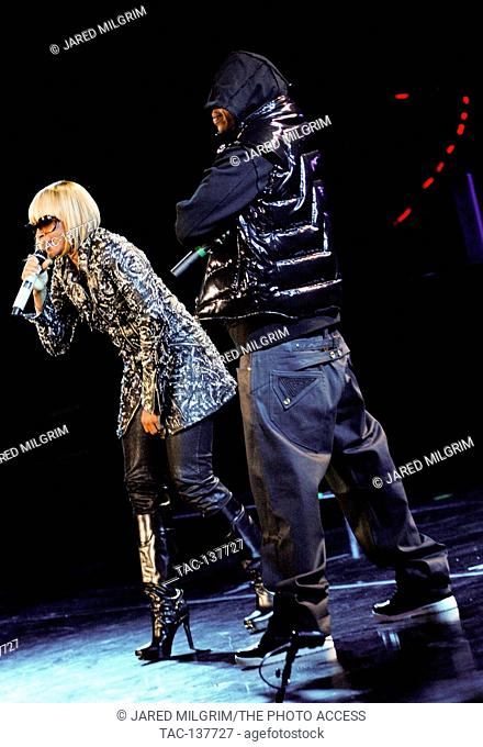Jay-Z and Mary J. Blige performing at the Verizon Wireless Amphitheatre in Irvine
