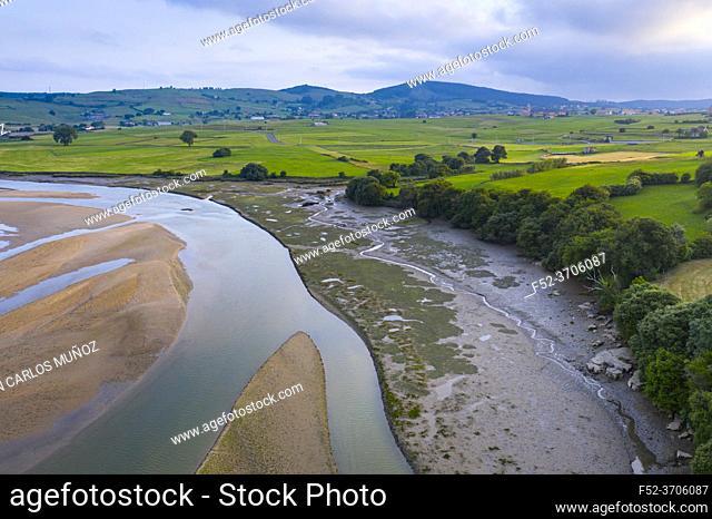 Ria de Ajo, Ajo, Bareyo Municipality, Marismas de Santoña, Victoria, Noja y Joyel Natural Park, Cantabrian Sea, Cantabria, Spain, Europe