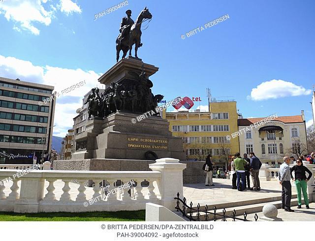A view of the equestrian statue of Tsar Alexander II on Narodno-Sabranie square in Sofia, Bulgaria, 11 April 2013. Photo: Britta Pedersen | usage worldwide