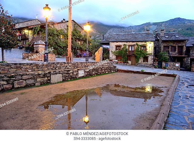 Main square of Valverde de los Arroyos, Guadalajara, Spain