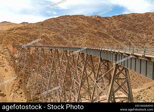 Photograph of the Polvorilla viaduct in the Northwest of Argentina