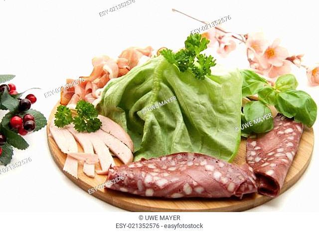 Rotwurst mit Salat
