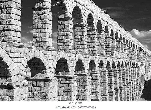 Segovia (Castilla y Leon, Spain): the Roman aqueduct, Unesco World Heritage Site. Black and white