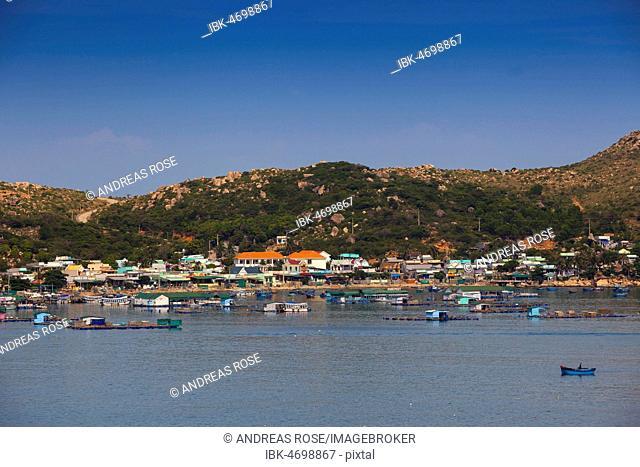 Coast with floating houses, South China Sea, Vinh Hy, Ninh Thuan, Vietnam