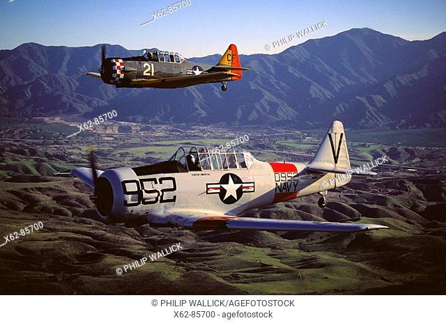 Texan SNJ-5 (T-6 Texan Navy variant), World War II navy trainers, restored