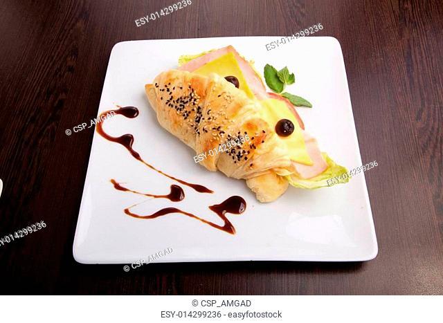 salami sandwich and crisps