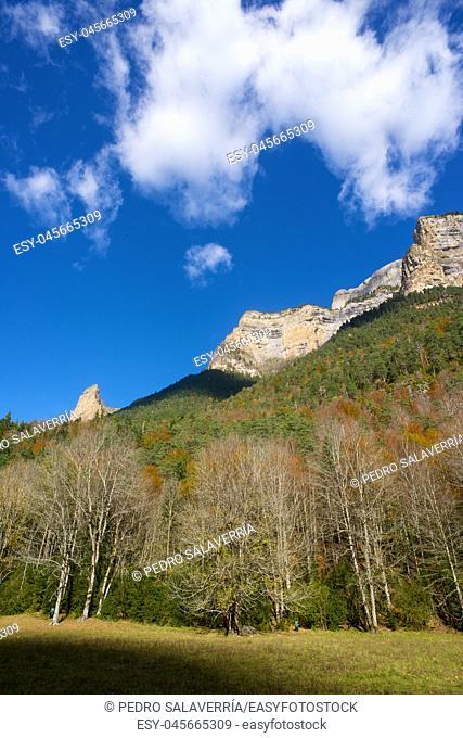 Mountains in the Pyrenees, Ordesa Valley National Park, Aragon, Huesca, Spain