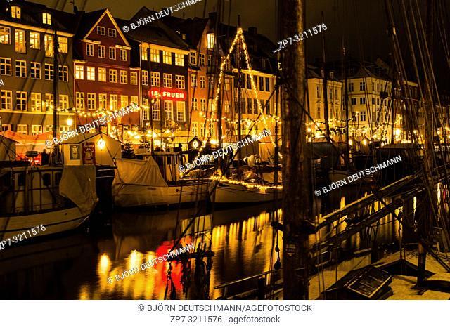 Nyhaven Christmas Market in Advent in Copenhagen, Denmark