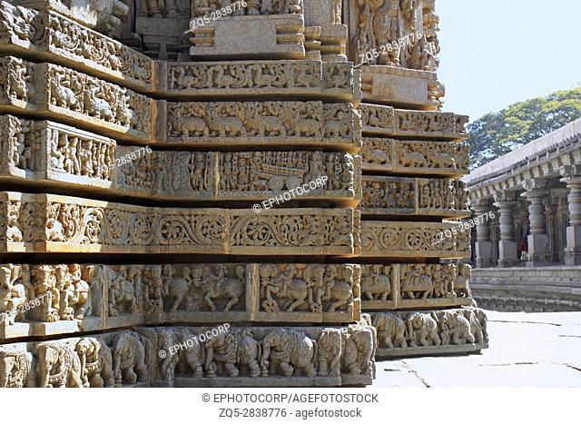 Shrine wall relief sculpture follows a stellate plan in the Chennakesava Temple, Hoysala Architecture, Somanathpur, Karnataka, India