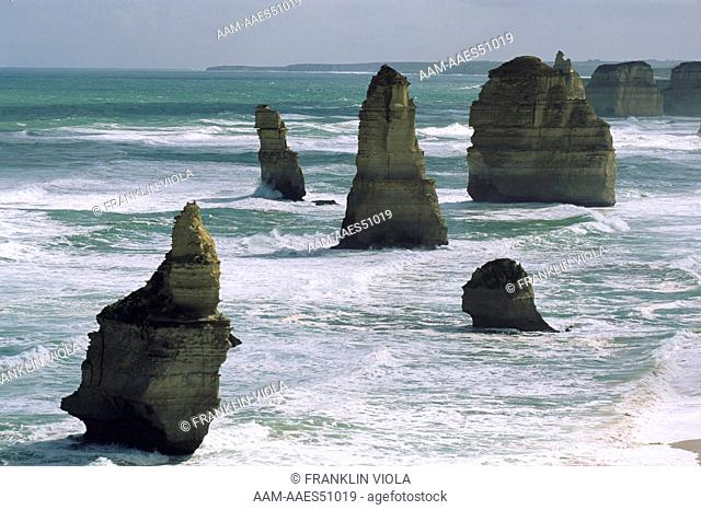 The Twelve Apostles, famous Limestone Sea Stacks, Great Ocean Road, Victoria, Australia