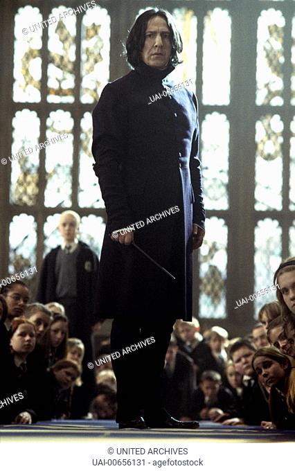 HARRY POTTER UND DIE KAMMER DES SCHRECKENS / Harry Potter and the Chamber of Secrets GB 2002 / Chris Columbus Professor Serverus Snape (ALAN RICKMAN) Regie:...