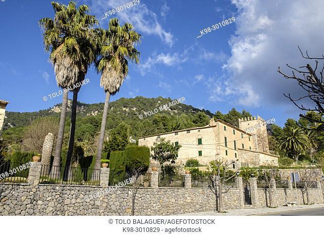 Son Gual, casa fortificada con torre de defensa del siglo XVI, Valldemossa, Mallorca, balearic islands, Spain