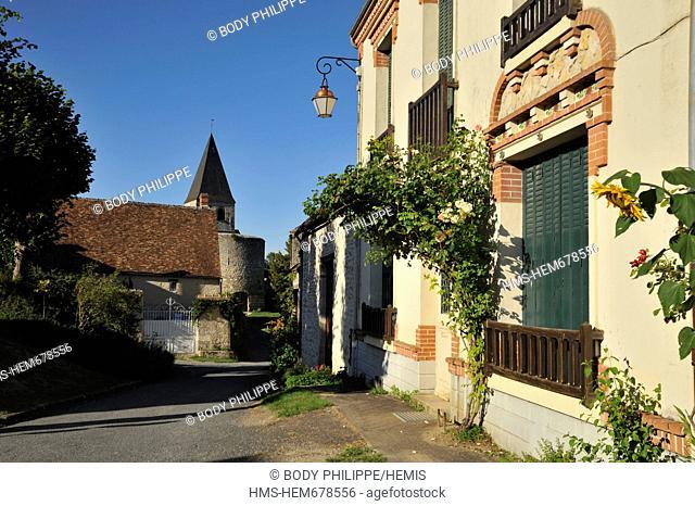 France, Loiret, Yevre le Chatel, medieval village