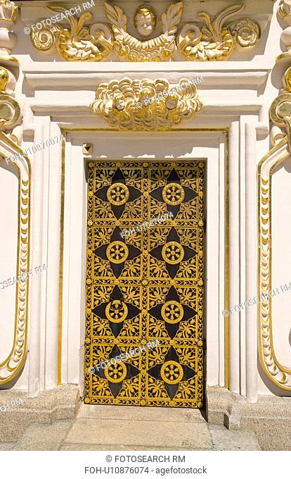 gold doorway beautiful famous perchersk lavra in
